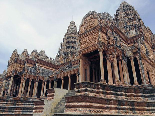 Façade du temple de Phnom Reap
