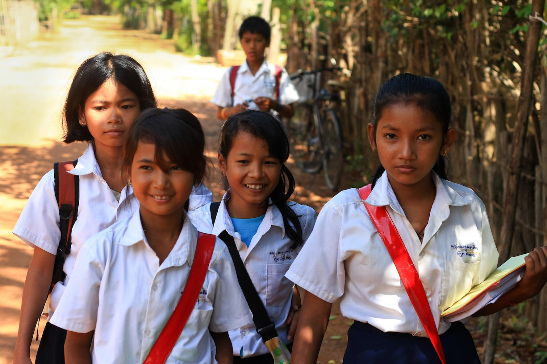 Cinq écoliers de province.